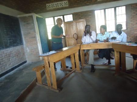 Mercredi 23 janvier. Atelier dans la petite école rurale de Burumba.