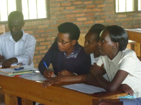 Professeurs au travail à Burumba