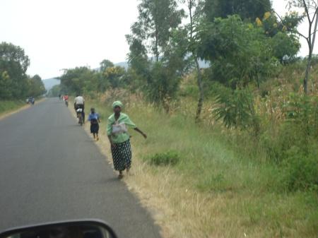 Sur les routes du district de Nyagatare... Ici en direction du secteur de Matimba...