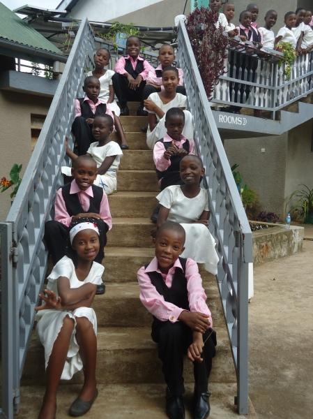 Chorale d'enfants rattachée à l'église des Soeurs Usambara