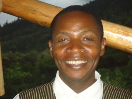 Malik, employé de l'auberge, qui m'a si gentiment aidé à décoder les subtilités de la culture tanzanienne