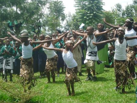 Les membres du club Tuseme (Dire la culture) de l'école Ntoma, mercredi 24 avril