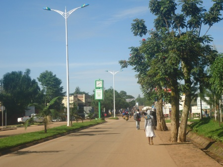 Une des artères principales de Butare, la Rue de Kigali, samedi 11 mai
