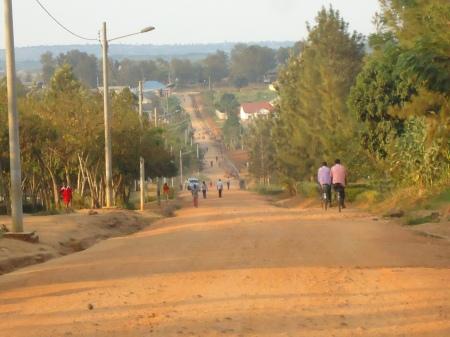 Une des rues principales de Nyagatare, juin 2013