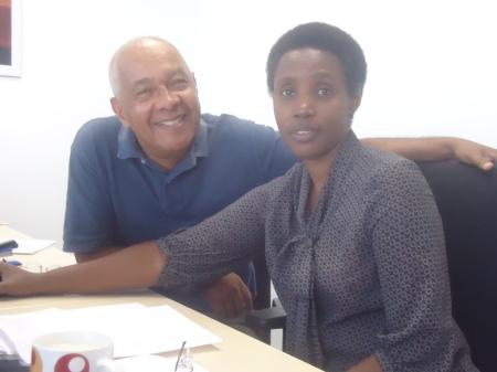 Réunion de fin de contrat en compagnie de Ruth Mbabazi, responsable à VSO Rwanda des programmes en éducation, Kigali, 26 juillet 2013